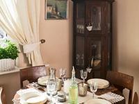 Inspirowane tradycją meble do salonu