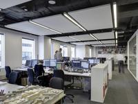 Akustyczne sufity podwieszane. Planowanie akustyki biur