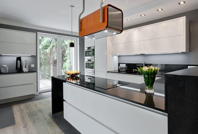 Zobacz galerię zdjęć Nowoczesne meble kuchenne Ekskluzywna kuchnia z kamieni   -> Nowoczesne Kuchnie Wloskie Aranżacje