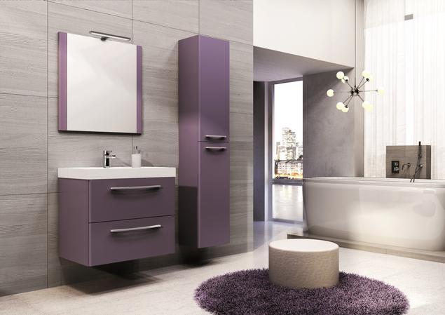 Fioletowe czy czerwone meble łazienkowe? Aranżacje łazienek