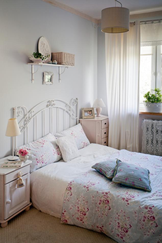 Zobacz Galerię Zdjęć Biała Sypialnia W Stylu Romantycznym