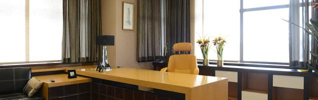 Gabinet w domu – jak urządzić domowe biuro